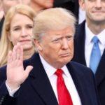 トランプ大統領の目の周りはなぜ白いのか